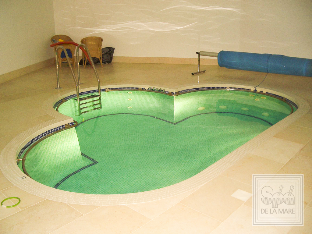 Bespoke Clover Leaf Spa Pool 1 - Bespoke